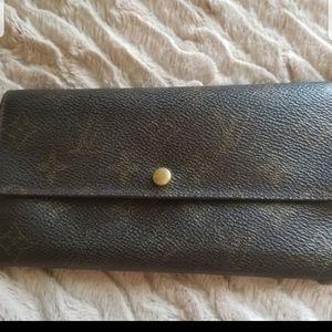 💎Louis Vuitton Sara Long Wallet+👡FREE GIFT😁
